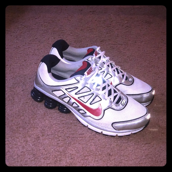 acdc52b8248 Men s Nike Shox running shoes. M 5b9acaa9baebf687585597fd